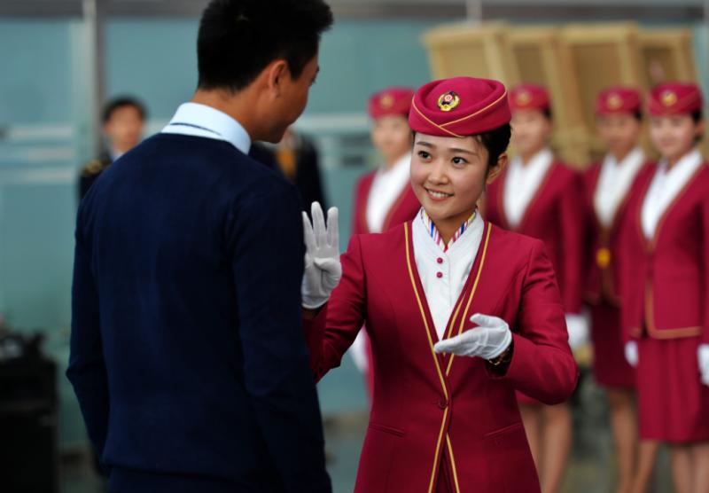 Chinas Nov. service industry improves: HSBC