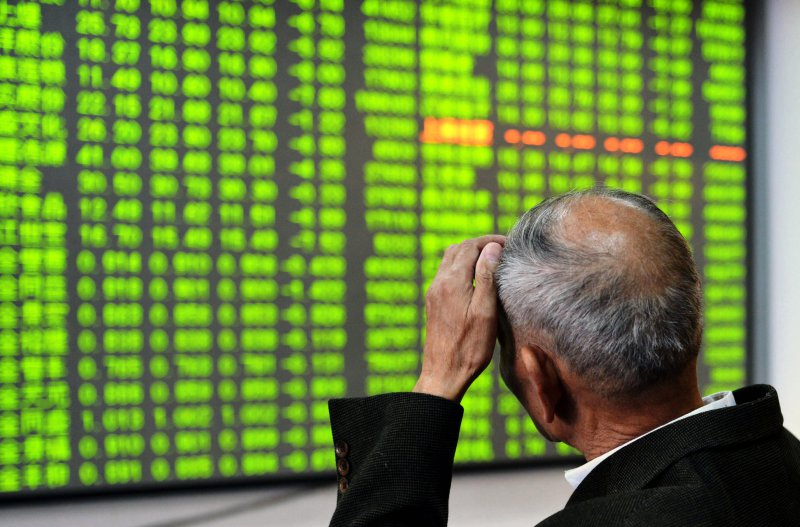 China stocks tumble over 5 pct in sharpest fall since Aug. 2009