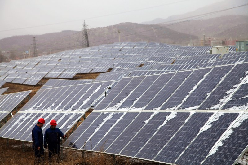 China Voice: Solar ruling dims Sino-U.S. cooperation