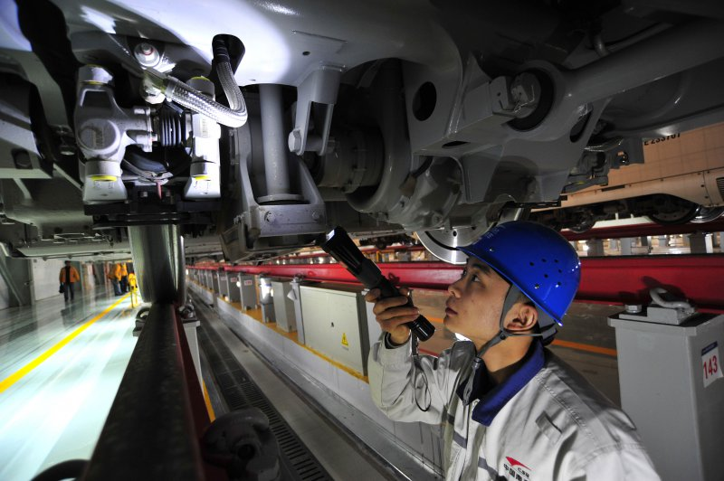 Chinas November industrial profits down 4.2 pct
