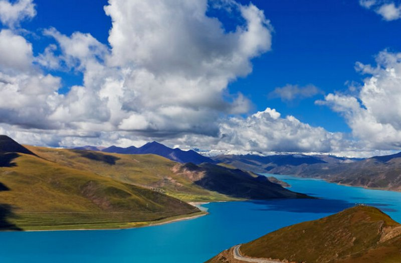 Tibet sees 14% surge in air passengers in 2014