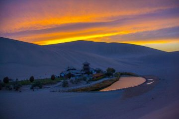 Tourism to be leading industry along Silk Road