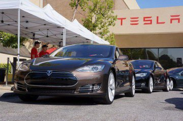 Tesla Motors launches super charging station in Changchun