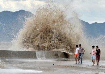 China renews alert for Typhoon Soudelor