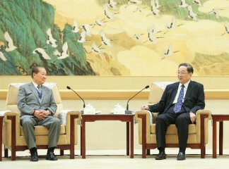 Top political advisor meets Taiwan lawmakers