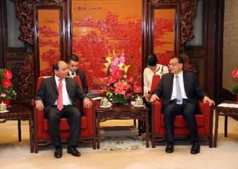 Premier Li urges China, Vietnam to maintain maritime stability