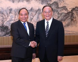 China, Vietnam vow to promote economic ties