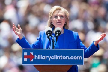 Hillary Clinton opposes controversial oil pipeline