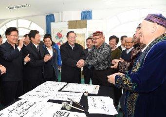 Yu Zhengsheng visits Altay in northern Xinjiang