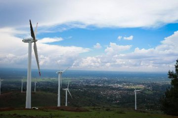 Wind power helps clean Chinas air