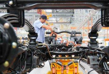 China Focus: China factory data picks up, long-term outlook positive