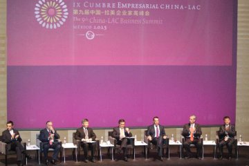 China signs 15 MOUs with LatAm and Caribbean countries at business summit