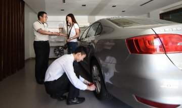 Chinas auto dealer inventory coefficient rises 3 pct on month, CADA