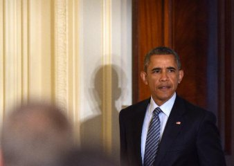 Obama signs executive order on lifting sanctions against Liberia