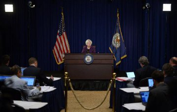 Most Fed officials believe December rate hike justified, minutes show