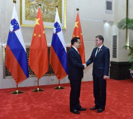 Premier Li says China willing to participate in Slovenias port renovation