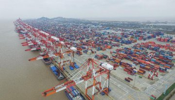 China to adjust import, export tariff from 2016