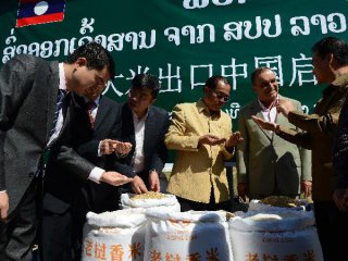 1st batch Lao rice exported to China