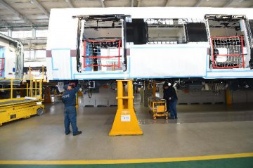 Industrial output growth picks up