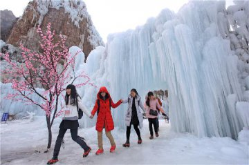 Chinas tourist attractions to welcome over 6 bln arrivals in 2020, CTA