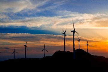 China works on grid parity for wind, solar power