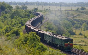Chinas rail freight volume down 15.6pct o-y to 270mln t in Nov., NDRC