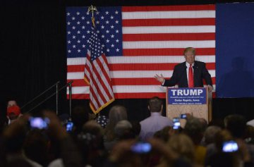 U.S. starts first-in-nation caucuses to choose presidential candidate