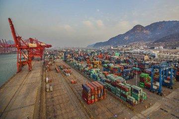 Mainland attributes HK trade data discrepancy to math