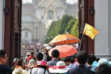 Consumption surges during Spring Festival, outbound travel booms
