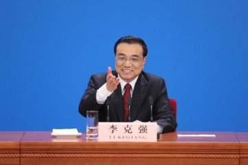 Chinese premier stresses implementation of government work report