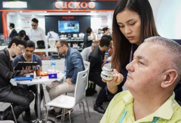 In Chinas largest trade fair, tech innovation brightens prospects
