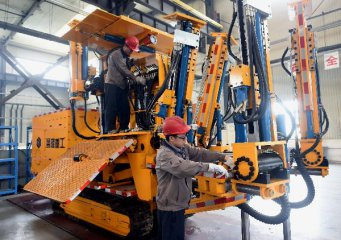 Chinese manufacturers prioritize growth, R D: survey