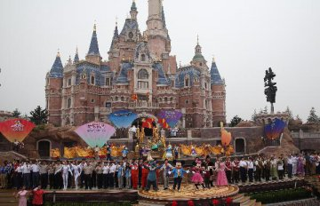First Disney resort in Chinese mainland opens in Shanghai