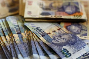 China to start direct trading between yuan, South African rand