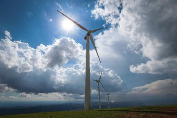 Chinas wind power capacity keeps growing