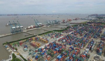 Cross-Strait trade volume down 9.8 pct in January-July
