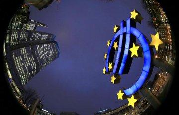 Eurozone economy forecast to grow modestly: think tanks