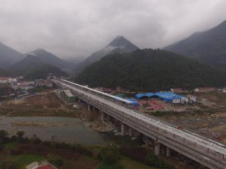 Economic Watch: China set to fulfill annual railway investment target