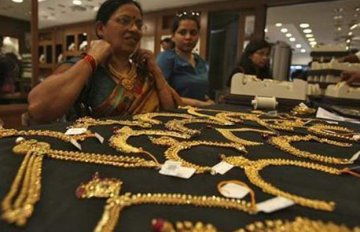 High gold prices drag down global consumption