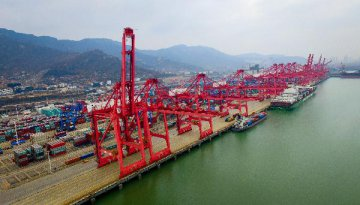 Mainland-HK trade drops 7.6 pct in first 10 months