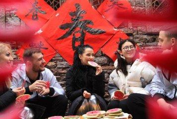 Consumption hits RMB840 bln during Lunar New Year holiday