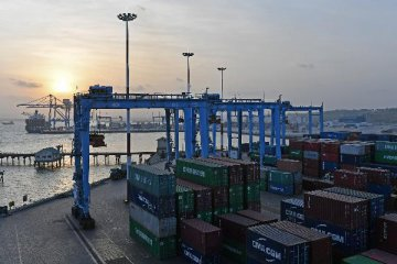 Cross-Strait trade down 4.5 pct in 2016