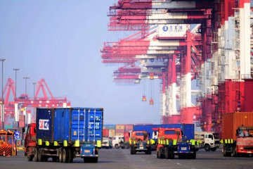Chinas January exports up 15.9 pct, imports up 25.2 pct