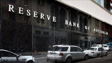 Australian Reserve Bank forecasts lower growth, higher inflation