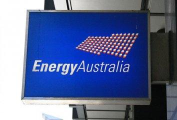Australias largest energy company calls for renewable energy push
