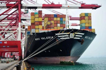 Chinas February exports up 4.2 pct, imports up 44.7 pct
