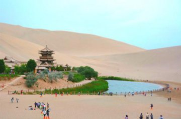 China charms Berlin tourism dealers with Silk Road destinations