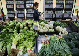 Chinas March food prices drop, inflation likely low