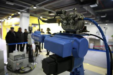 China to upgrade robot industry in next few years