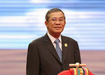 China, Cambodia vow to further boost ties